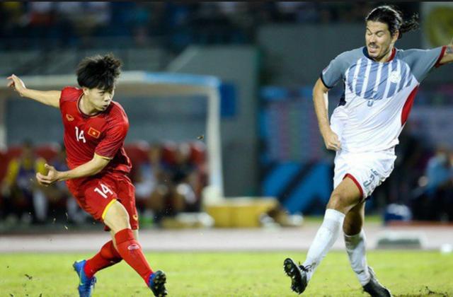 Công Phượng bỏ lỡ cơ hội ghi bàn đáng tiếc ở trận gặp Philippines