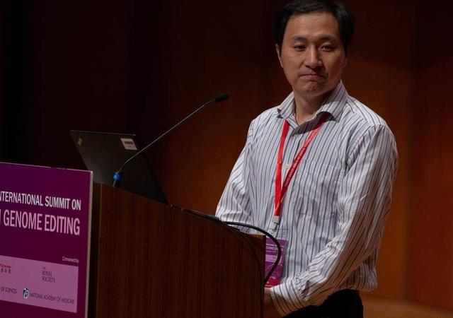 Nhà khoa học Trung Quốc He Jiankui (Ảnh: Reuters)