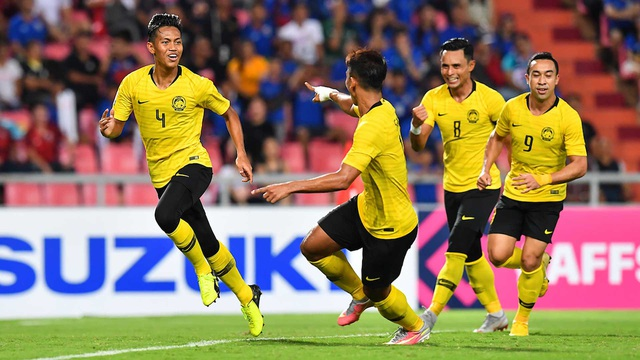 Syahmi Safari sút xa tuyệt đẹp giúp Malaysia gỡ hòa 1-1