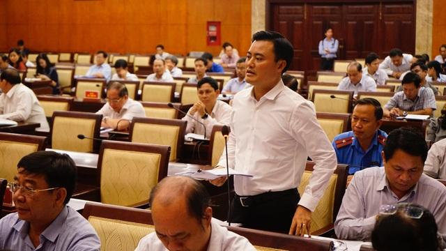 Ông Bùi Xuân Cường - Giám đốc Sở Giao thông vận tải TPHCM, thừa nhận là tình hình thất thoát trong thu phí đỗ xe ô tô dưới lòng đường rất lớn