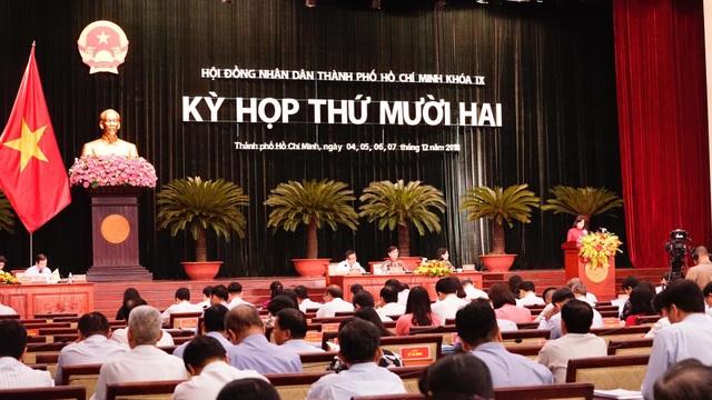 Sáng 5/12, HĐND TPHCM tiếp tục phiên thảo luận tại hội trường
