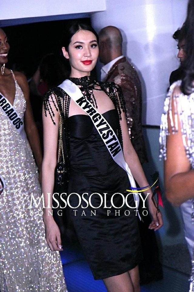 H'Hen Niê đọ sắc cùng các thí sinh Hoa hậu Hoàn vũ 2018 - 14