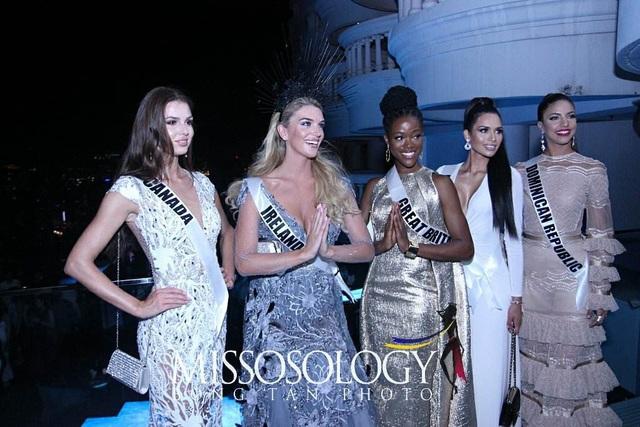 Đương kim hoa hậu Demi-Leigh Nel-Peters đến từ Nam Phi sẽ trao vương miện cho người kế nhiệm trong đêm chung kết diễn ra vào ngày 17/12 tới đây tại Bangkok, Thái Lan.