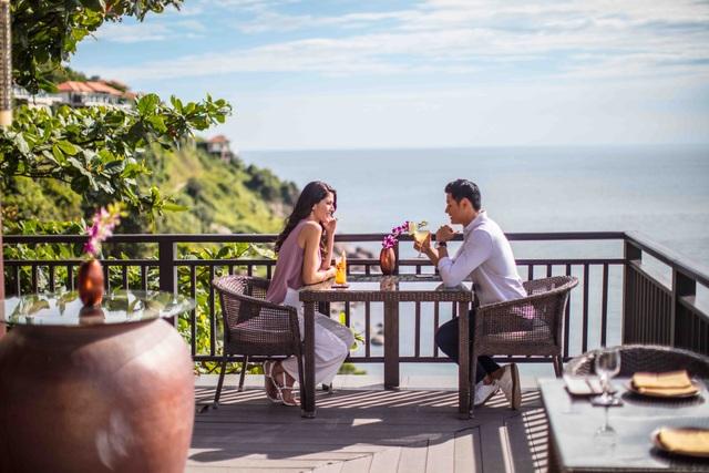 Thiết kế tinh tế tạo nên những không gian giao thoa tuyệt đẹp của núi - biển và cơ hội lắng nghe nhau giữa con người với thiên nhiên.