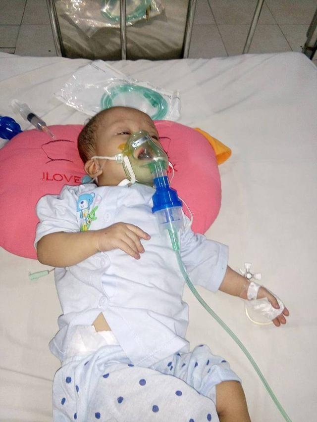 Cháu Thảo bị bệnh tim quá nặng, bác sĩ yêu cầu mổ gấp nhưng gia đình không có tiền đang chờ những tấm lòng hảo tâm.