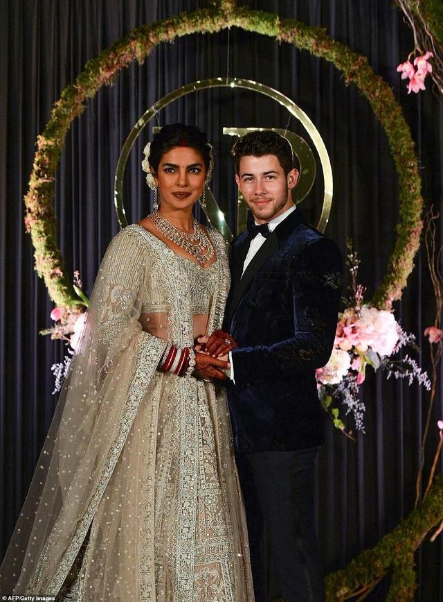 Priyanka Chopra và chồng kém 10 tuổi Nick Jonas tiếp tục tổ chức tiệc cưới tại New Delhi ngày 4/12 vừa qua