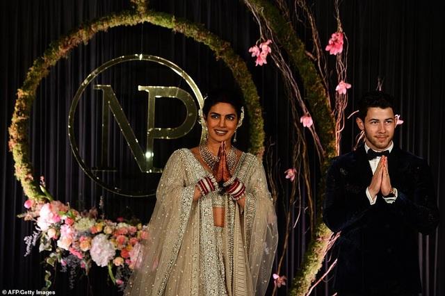 Hoa hậu thế giới và chồng trẻ tiếp tục tổ chức tiệc cưới ở New Delhi - 12