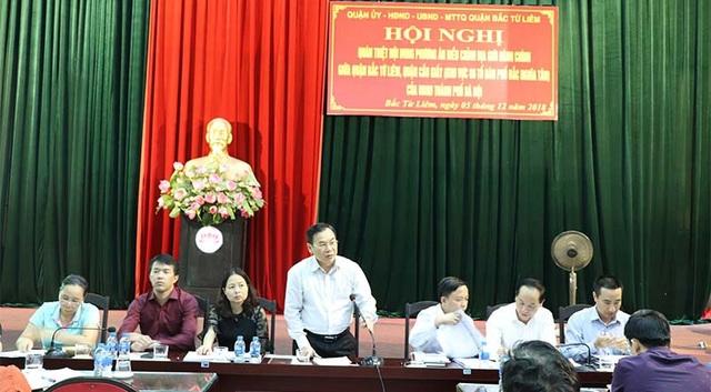 Bí thư Quận ủy Bắc Từ Liêm Trương Quang Thiều phát biểu tại hội nghị. (Ảnh: KTĐT)