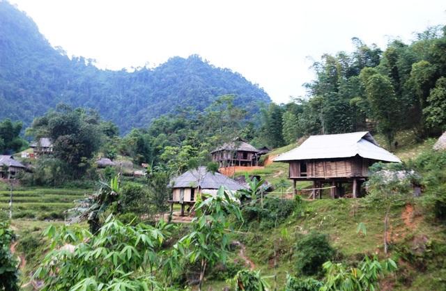 Hàng chục năm qua, người dân các bản Xắng, Khon, Hằng không sao thoát khỏi đói nghèo.