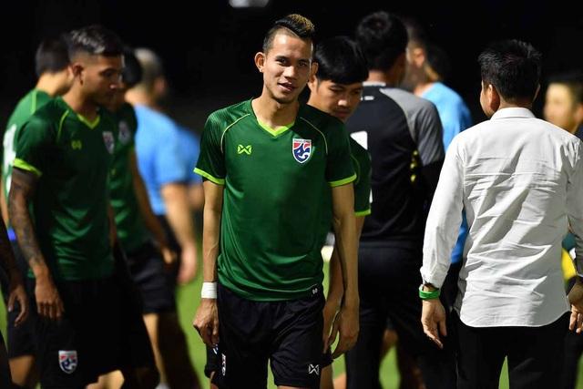 Thái Lan 2-2 Malaysia: Tội đồ Adisak khiến người Thái bị loại - 10