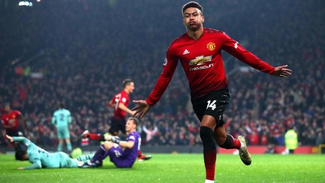 Lingard ăn mừng bàn thắng gỡ hòa cho Man Utd