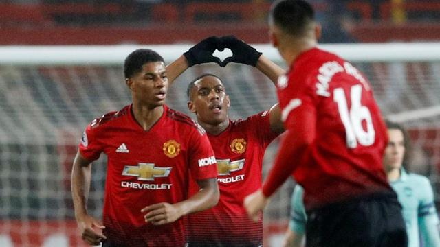 Martial ăn mừng bàn thắng quân bình tỉ số 1-1