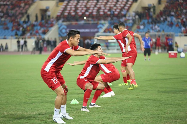 Việt Nam 2-1 Philippines: Chiến thắng ngọt ngào - 23