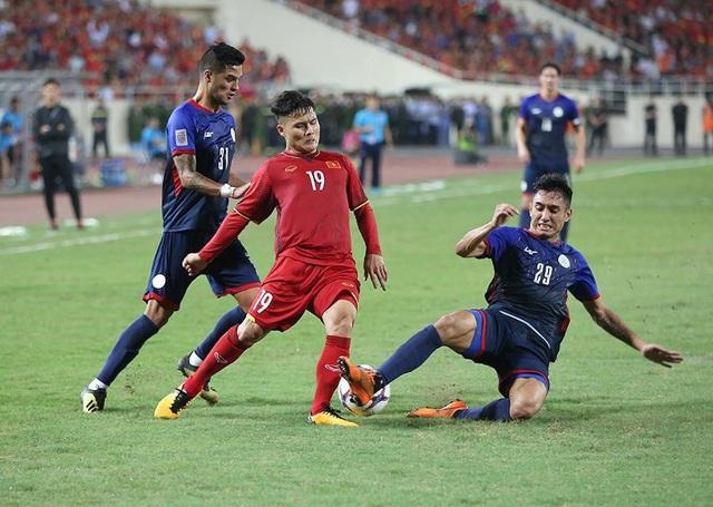 Quang Hải là cầu thủ Việt Nam bị phạm lỗi nhiều nhất trong hiệp một