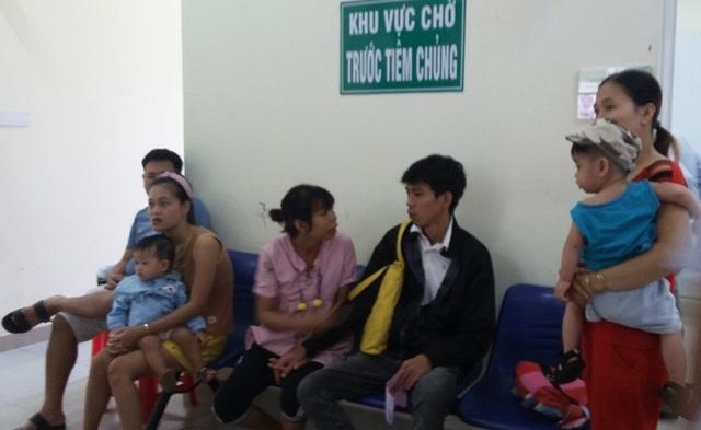 Các Trạm Y tế tại TPHCM đang tổ chức tiêm bổ sung sởi cho trẻ dưới 5 tuổi