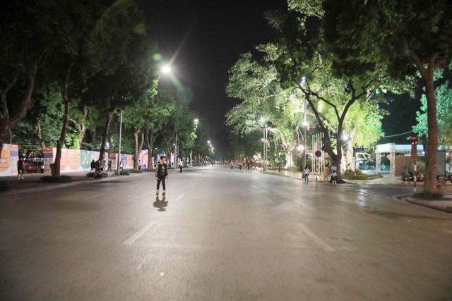 Khu vực đường qua khu tượng đài Lý Thái Tổ.