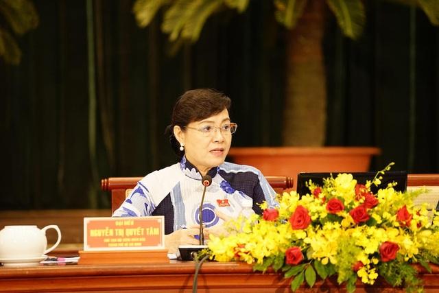 Chủ tịch HĐND TPHCM yêu cầu trả lời rõ vì sao 20 năm mà không giải quyết quyền lợi cho người dân