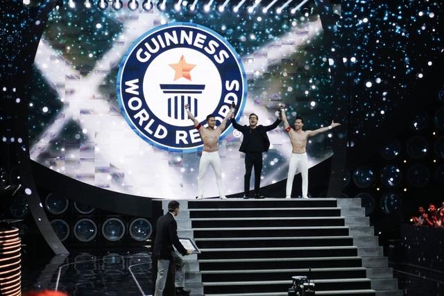 """Quốc Cơ - Quốc Nghiệp chia sẻ giây phút """"thót tim"""" khi lập Kỷ lục Thế giới - 2"""