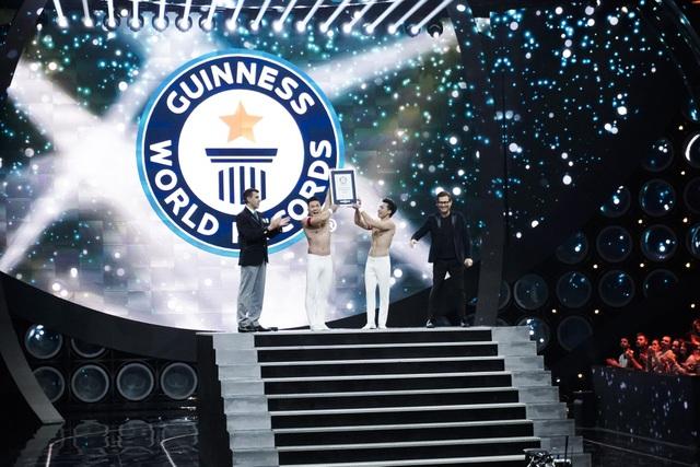 """Quốc Cơ - Quốc Nghiệp chia sẻ giây phút """"thót tim"""" khi lập Kỷ lục Thế giới - 3"""