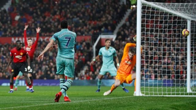 Sau chơi hay trong giai đoạn cuối trận, nhưng không thể ghi bàn, họ từng đưa bóng vào lưới của Man Utd hai lần nhưng đều không được công nhận, trong đó có bàn thắng của Mkhitaryan ở phút 89