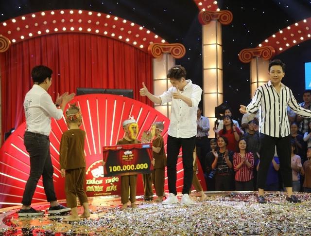 Nhóm Bồng Lai nhận giải thưởng 100 triệu đồng từ chương trình là một phần thưởng khá xứng đáng.