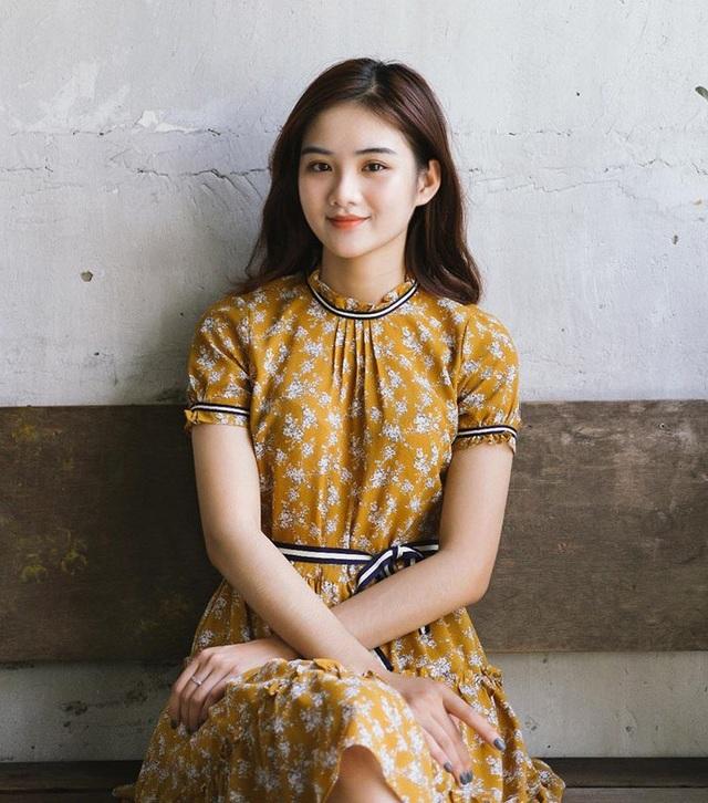 Người đẹp sinh viên Bùi Minh Anh