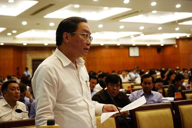 Giám đốc Sở Y tế TP Nguyễn Tấn Bỉnh cho rằng không thể chấp nhận hành vi bác sĩ người Việt tiếp tay cho hành động không đẹp đối với dân tộc