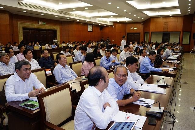 Nhiều đại biểu HĐND TP băn khoăn về khả năng hoàn thành nhiệm vụ thu ngân sách năm 2019 của TPHCM