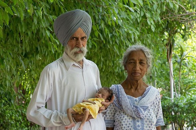 """12 phụ nữ lớn tuổi nhất thế giới vẫn """"liều mạng"""" sinh con - 1"""