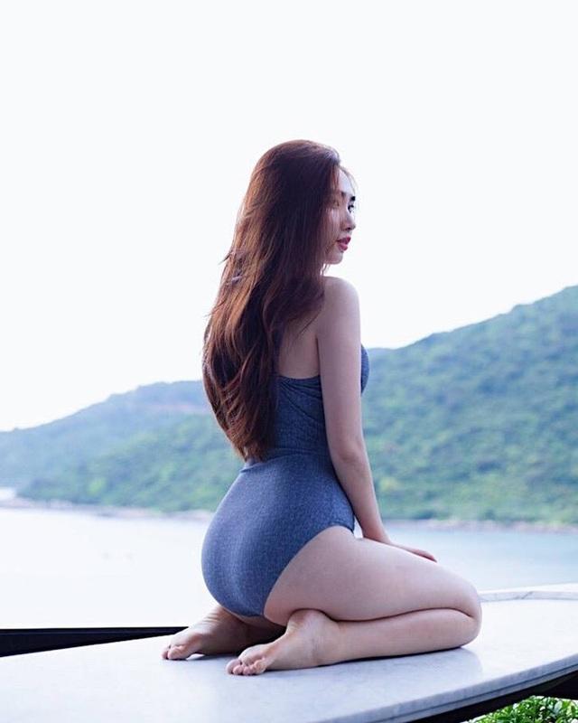 Bạn gái Văn Lâm và bạn gái Tiến Dũng có khá nhiều điểm chung, trong đó nổi bật hơn cả là body miễn chê.