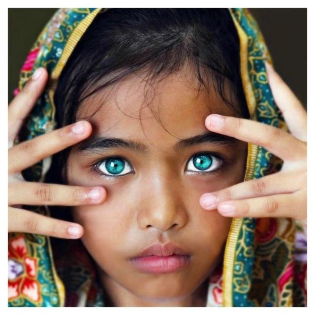 Những đôi mắt nhìn một lần và mãi mãi không thể nào quên - 2