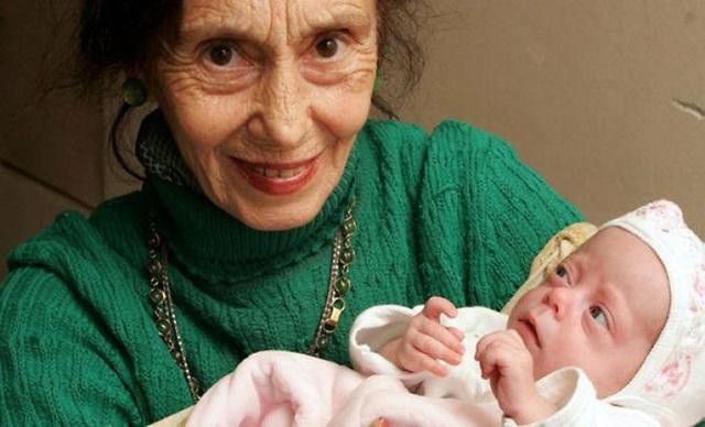 """12 phụ nữ lớn tuổi nhất thế giới vẫn """"liều mạng"""" sinh con - 5"""