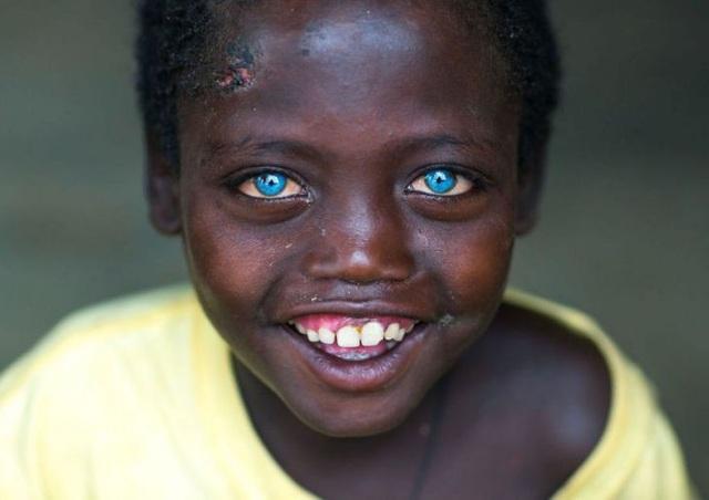 Những đôi mắt nhìn một lần và mãi mãi không thể nào quên - 5