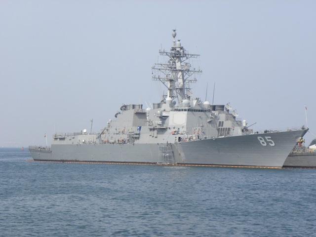 Tàu khu trục mang tên lửa dẫn đường McCampbell của Hải quân Mỹ (Ảnh: Naval Today)