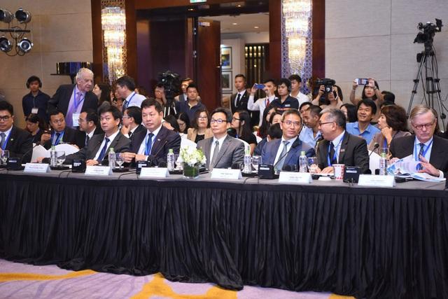 Phó Thủ Tướng Vũ Đức Đam và các khách mời tham dự Diễn đàn Cao cấp Du lịch