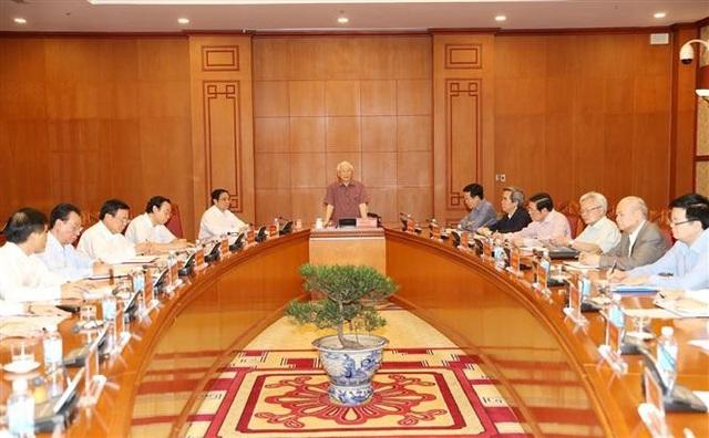 Tổng Bí thư, Chủ tịch nước Nguyễn Phú Trọng, Trưởng Tiểu ban Văn kiện phát biểu chỉ đạo cuộc họp. Ảnh: Trí Dũng – TTXVN
