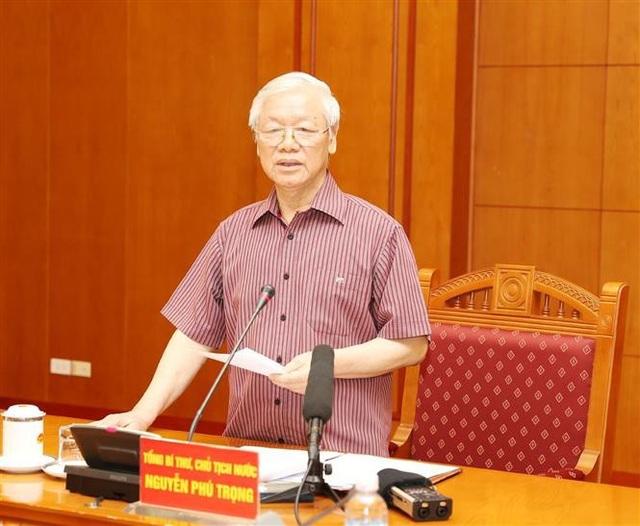 Tổng Bí thư, Chủ tịch nước Nguyễn Phú Trọng, Trưởng Tiểu ban Văn kiện phát biểu kết luận cuộc họp. Ảnh: Trí Dũng – TTXVN