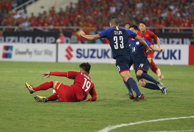 """Bị cầu thủ Philippines """"chém đinh chặt sắt"""", Quang Hải nói gì? - 8"""