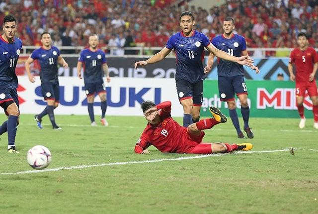 """Bị cầu thủ Philippines """"chém đinh chặt sắt"""", Quang Hải nói gì? - 4"""