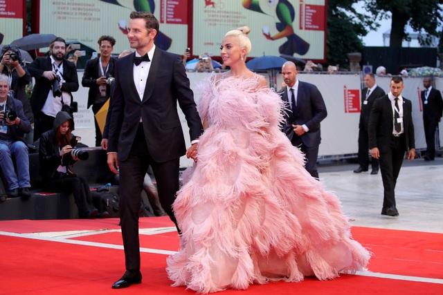 Bradley Cooper và Lady Gaga hạnh phúc khi được đề cử giải Quả Cầu Vàng - 1