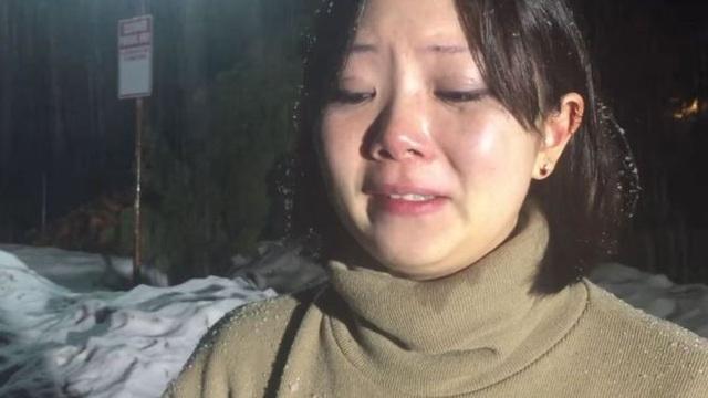 Cô gái Mỹ gốc Á bị chủ nhà trọ đuổi ra ngoài ngay trong đêm lạnh