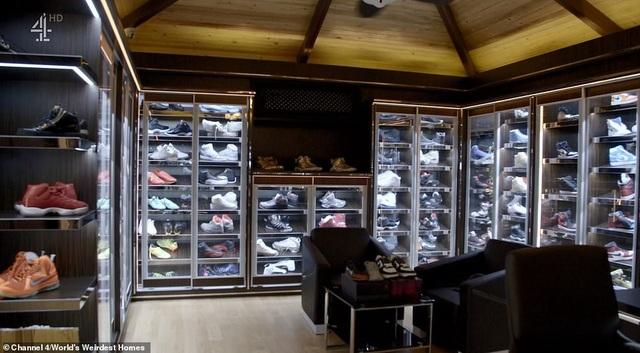 Bộ sưu tập giày sneakers hơn 200.000 đôi từ nhiều hãng danh tiếng của chàng trai 16 tuổi