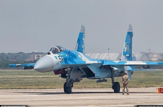 Bên cạnh đó, không nên lãng quên số lượng rất lớn máy bay ném bom tiền tuyến Su-24 và máy bay cường kích tầm thấp Su-25 cũng đang được gấp rút khôi phục hoạt động.