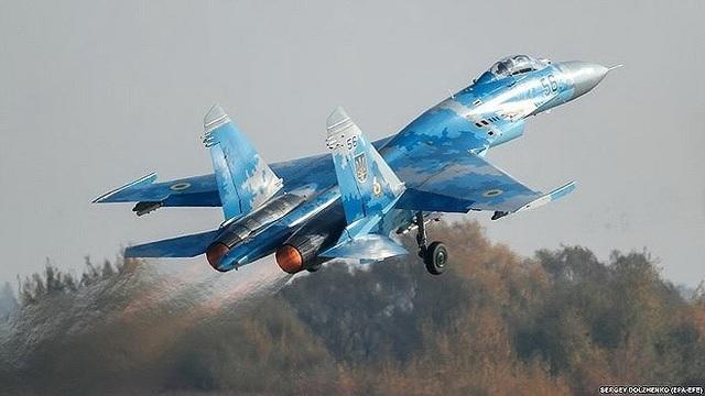 Người đứng đầu chính quyền Kiev cũng thông qua đơn vị tấn công xung kích của không quân để gửi lời kêu gọi tới những người lính khác hãy nêu cao tinh thần sẵn sàng bảo vệ đất nước.