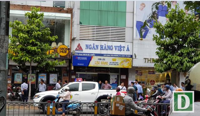 Điều tra vụ cướp ngân hàng giữa ban ngày ở Sài Gòn - 1