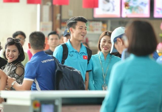 Các tuyển thủ Việt Nam đang rất vui vẻ, sau chiến thắng tưng bừng trước Philippines đêm qua