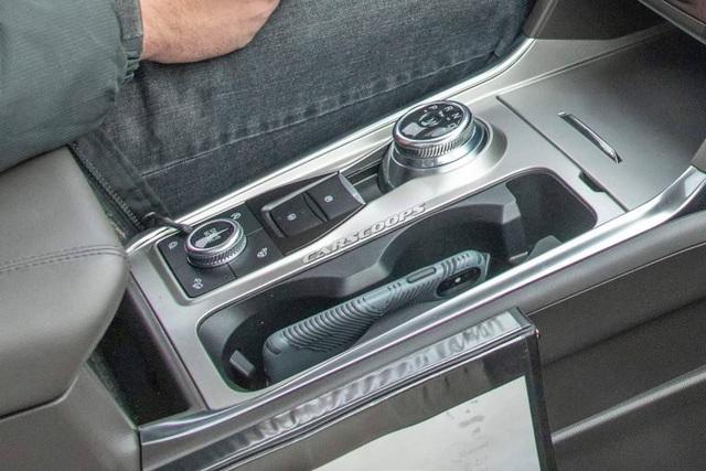 Hé lộ hình ảnh nội thất Ford Explorer thế hệ mới - 2