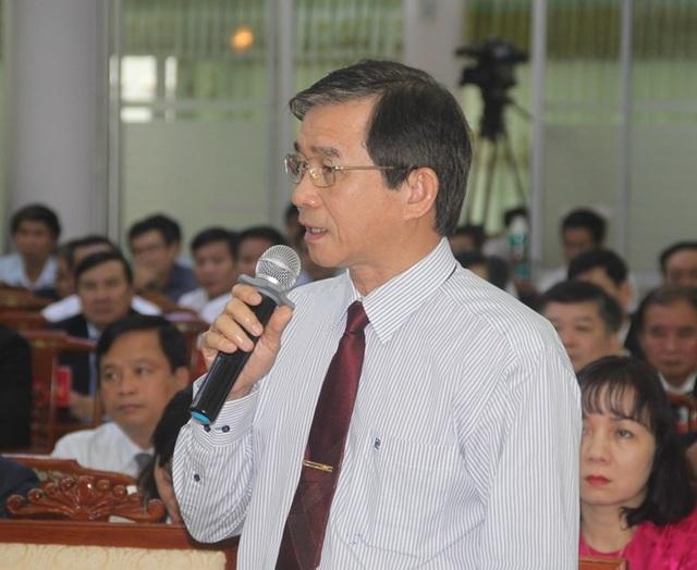 Phó Chủ tịch UBND tỉnh Bình Định Trần Châu trả lời thêm một số vấn đề các vị chủ tọa và đại biểu HĐND thắc mắc.