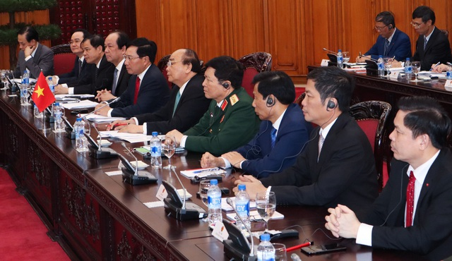 Thủ tướng Nguyễn Xuân Phúc và đoàn Việt Nam tại cuộc hội đàm