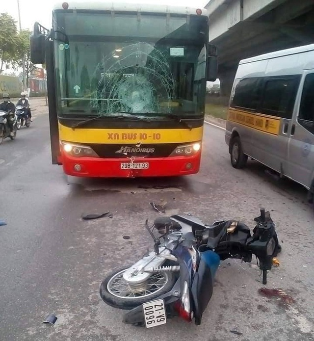 Hiện trường vụ tai nạn xảy ra sáng nay (Ảnh: CTV).